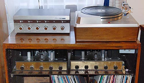 Photo of stereo system with Eico ST-84 preamp, two HF-20 amplifiers